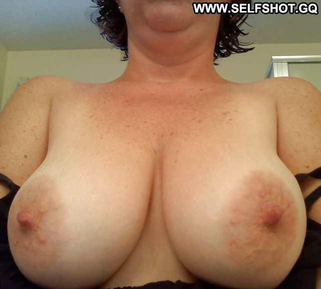 Delicia Private Pictures Self Shot Amateur Hot Boobs Milf Big Boobs