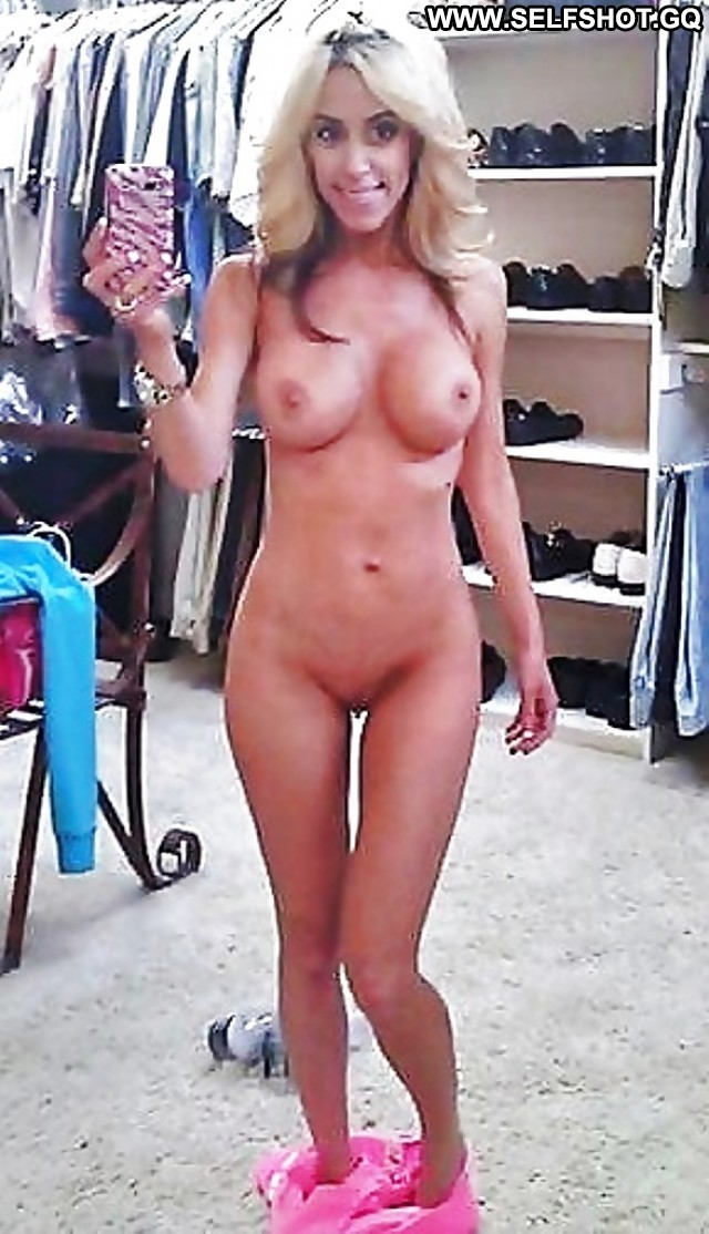 Dominga Private Pictures Flashing Selfie Sexy Babe Amateur
