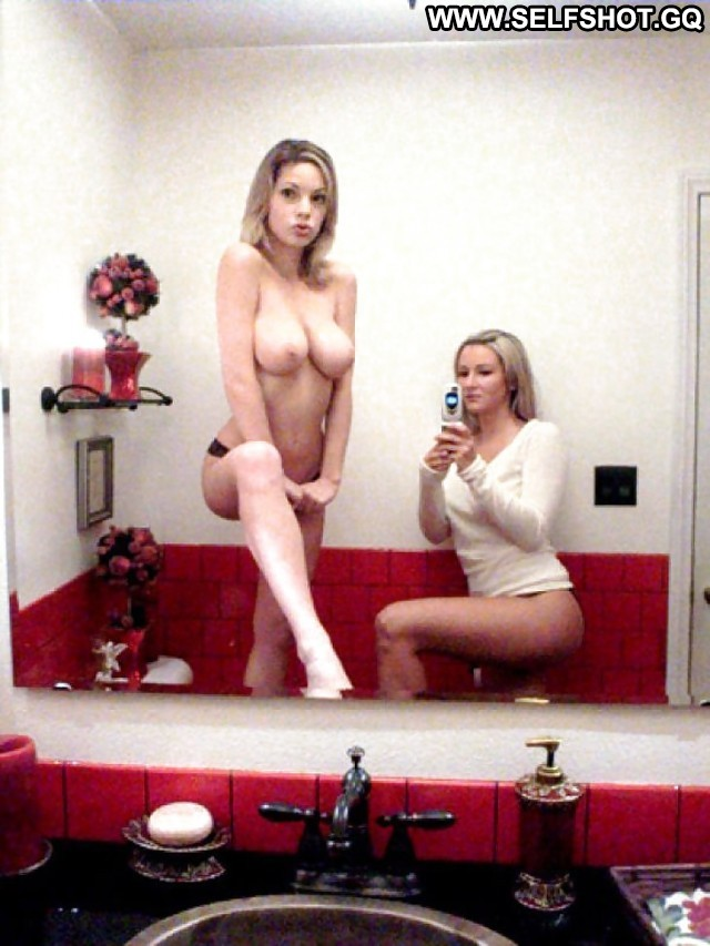 Renea Private Pictures Self Shot Hot Teen Babe Bed Amateur ...