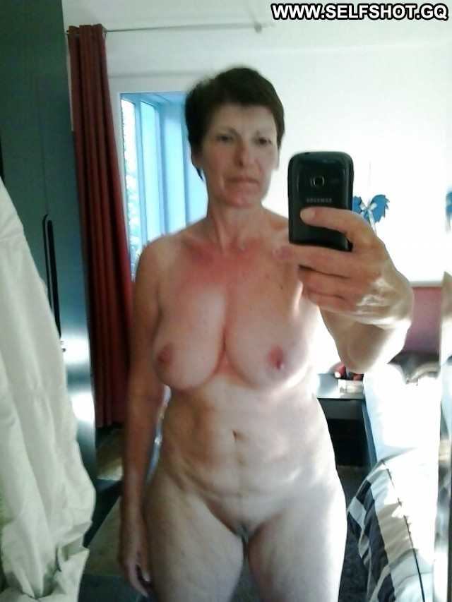 Patricia Private Pictures Self Shot Sexy Hot Mature Milf Selfie